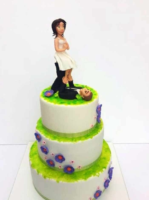 תמונה של עוגת חתונה אקרויוגה