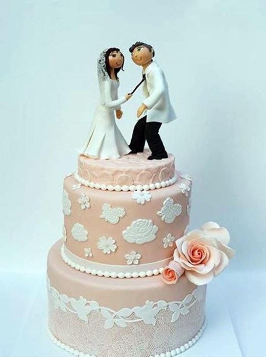 תמונה של עוגת חתונה הומוריסטית
