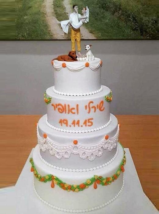 תמונה של עוגת חתונה גרלנדות פרחים