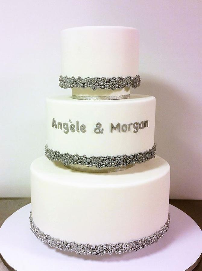 תמונה של עוגת חתונה נוצצת