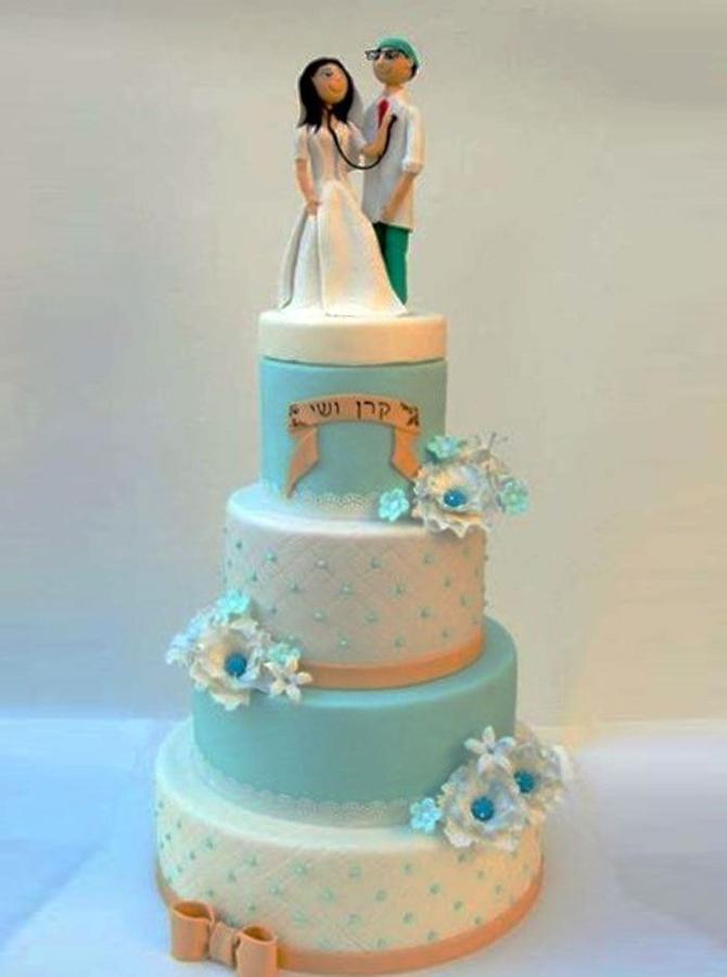 תמונה של עוגת חתונה זוג רופאים