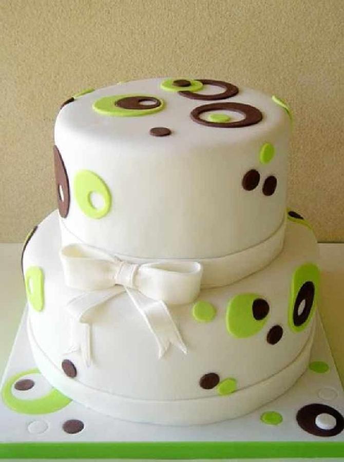 תמונה של עוגת חתונה בעיצוב רטרו