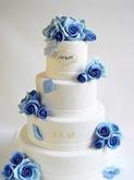 תמונה של עוגת חתונה אלגנטית בסגול