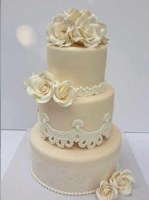 תמונה של עוגת חתונה אלגנטיות שקטה