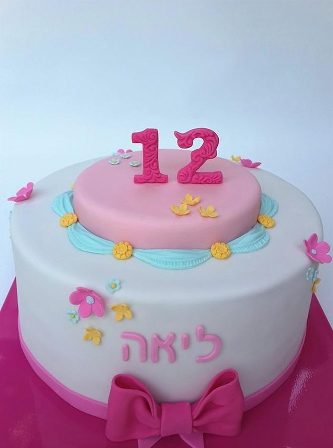 תמונה של עוגת בת מצווה בגווני פסטל