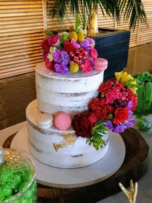 תמונה של עוגת חתונה ערומה