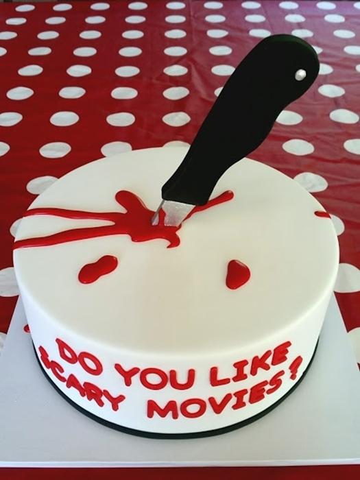 תמונה של 57 עוגת יום הולדת סרט אימה