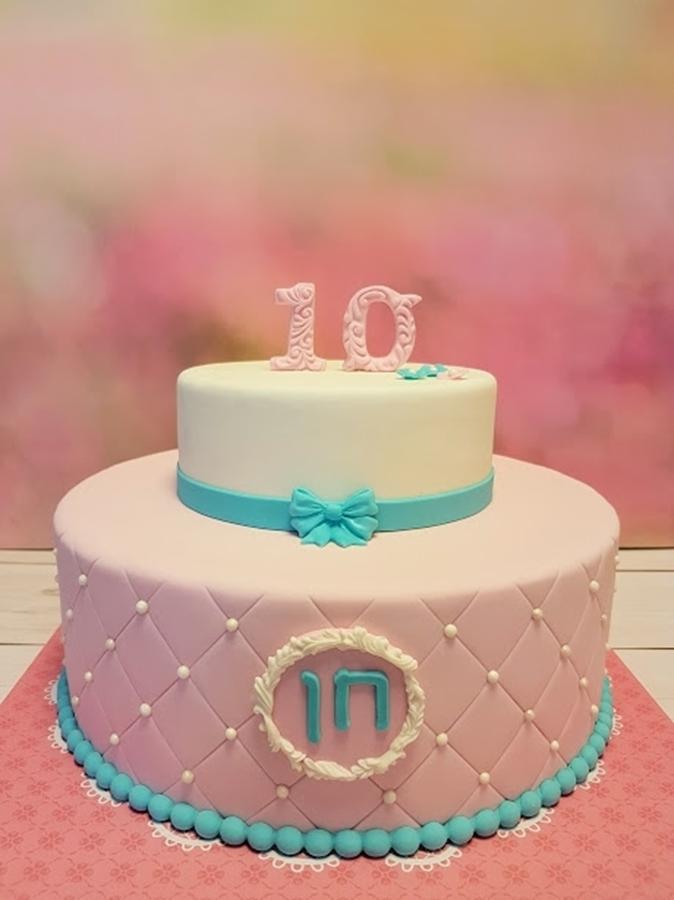 תמונה של עוגת יום הולדת בצבעי פסטל