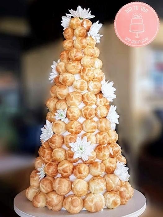 תמונה של עוגת חתונה קרוקומבוש